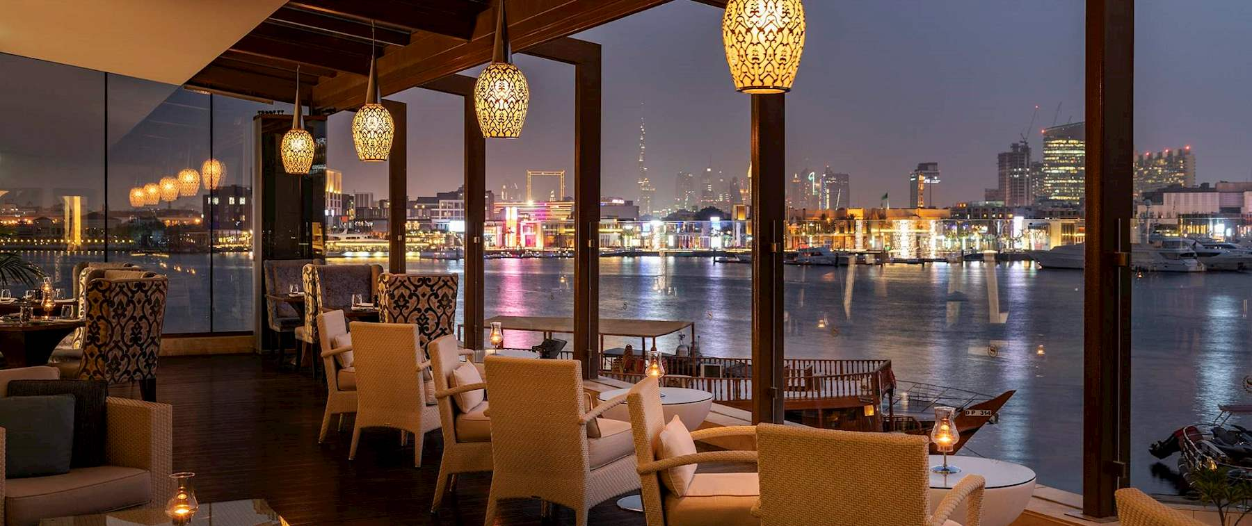 Sunset with delicious drinks during happy hour Vivaldi Dubai